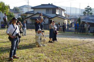 平成29年淀姫神社例大祭流鏑馬神事 カメラを構えた人もたくさん