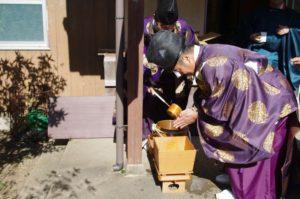 平成29年淀姫神社例大祭 神職さんも手水を行います